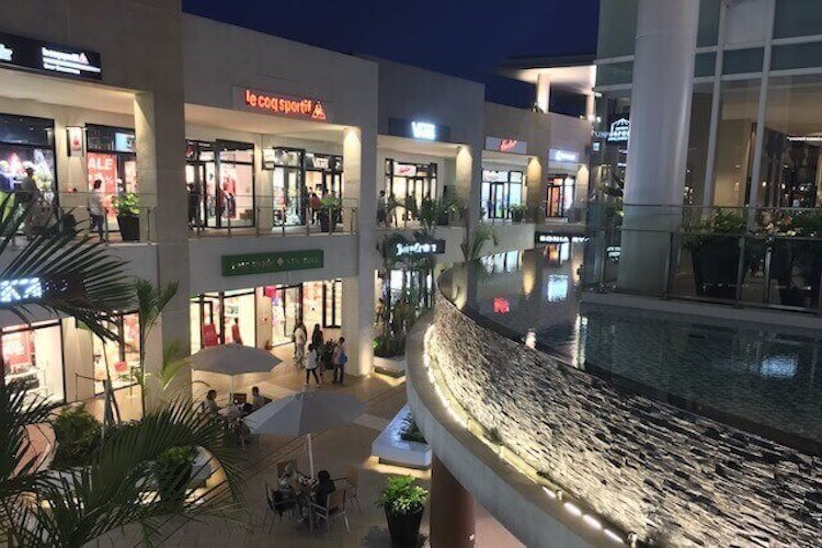 West gate to outside shopping area