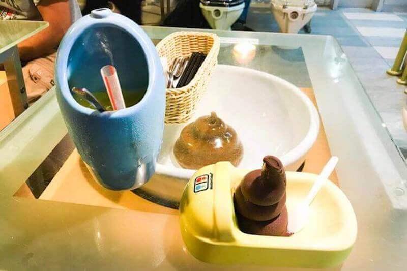 Modern Toilet dessert