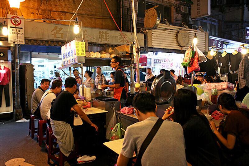 The Raohe night market venders