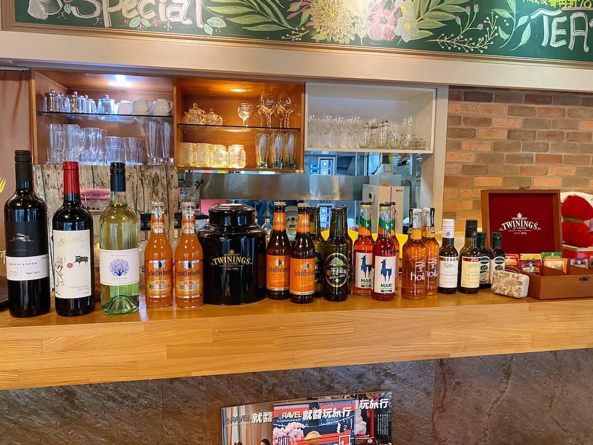 Display of alcohol and tea