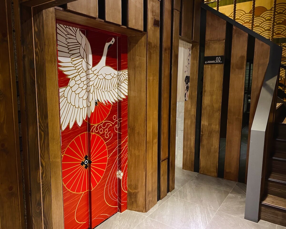 Japanese decorated elevator