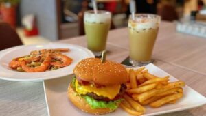 Maya Resto Cafe