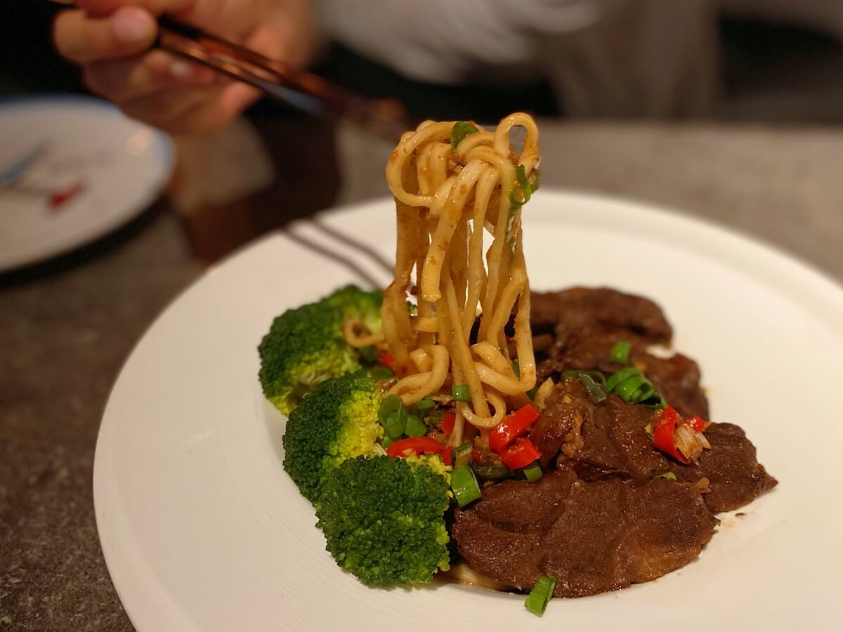 Taiwanese dry beef noodles (focused)