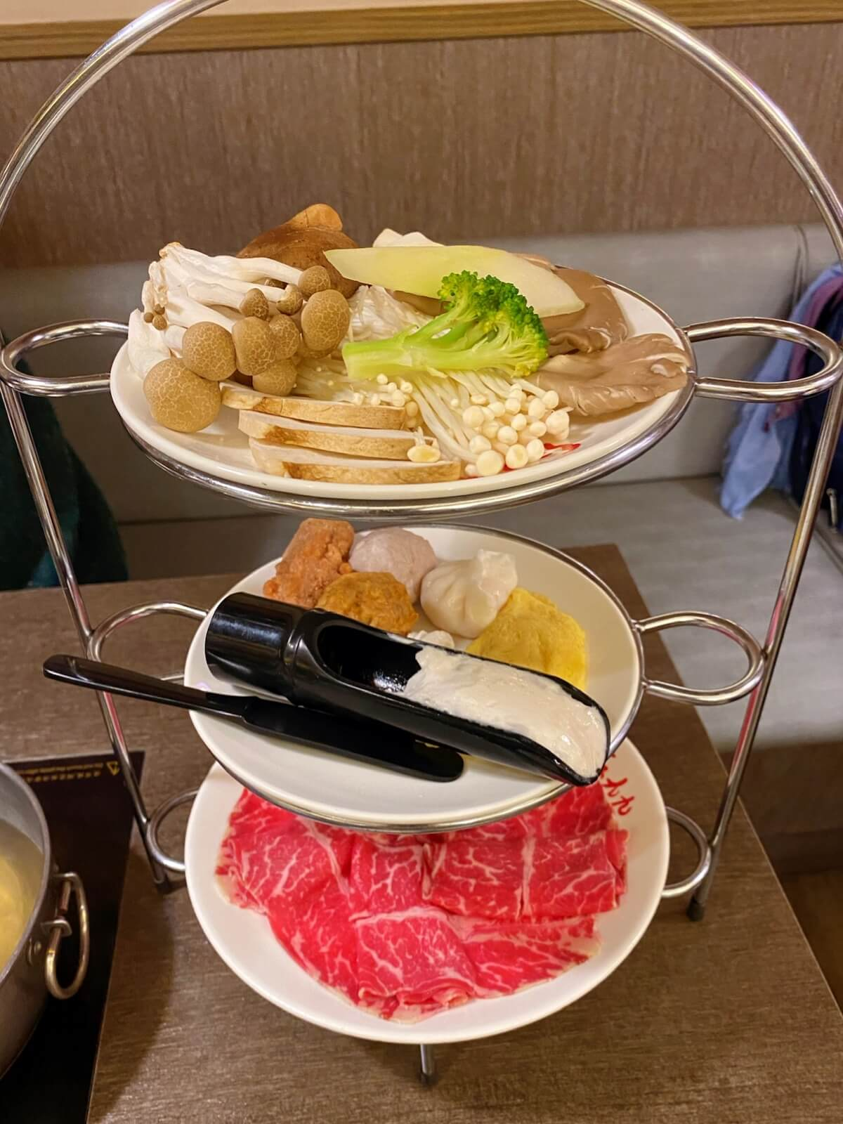 The mushroom, meatballs and chuck rib set