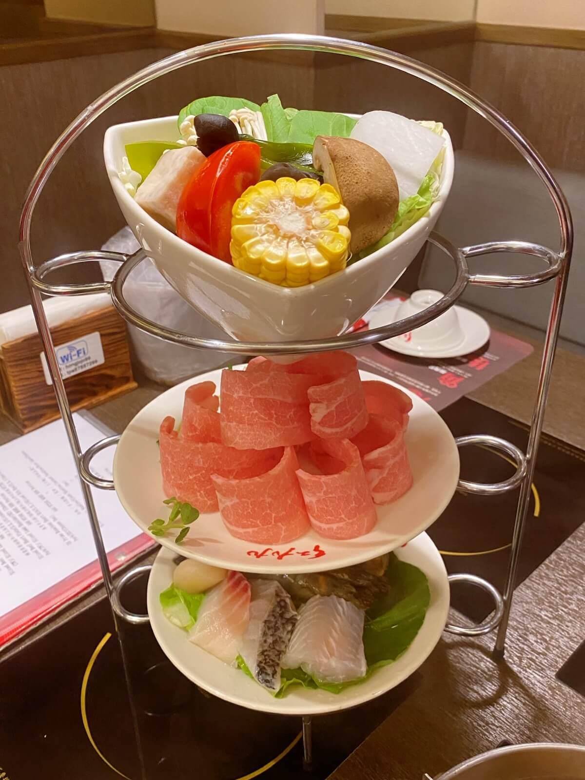 The vegetable, matsusaka pork and seafood set